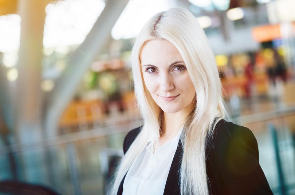 Fotoshooting mit Julia am Flughafen und Messe Stuttgart
